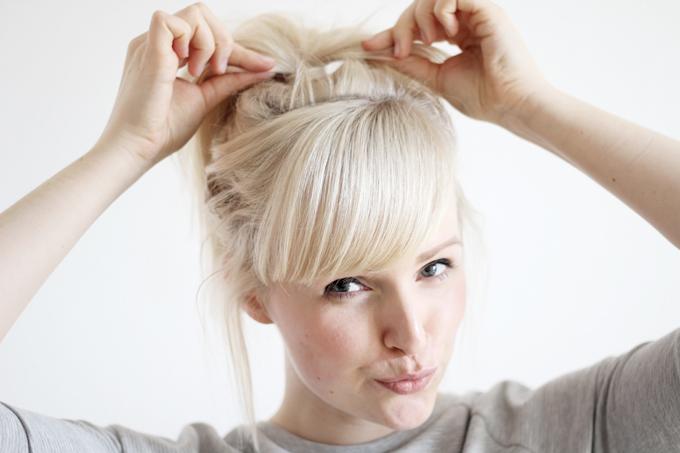 undone ponytail
