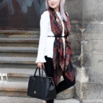 Anzeige- How to wear a silk scarf with Roeckl