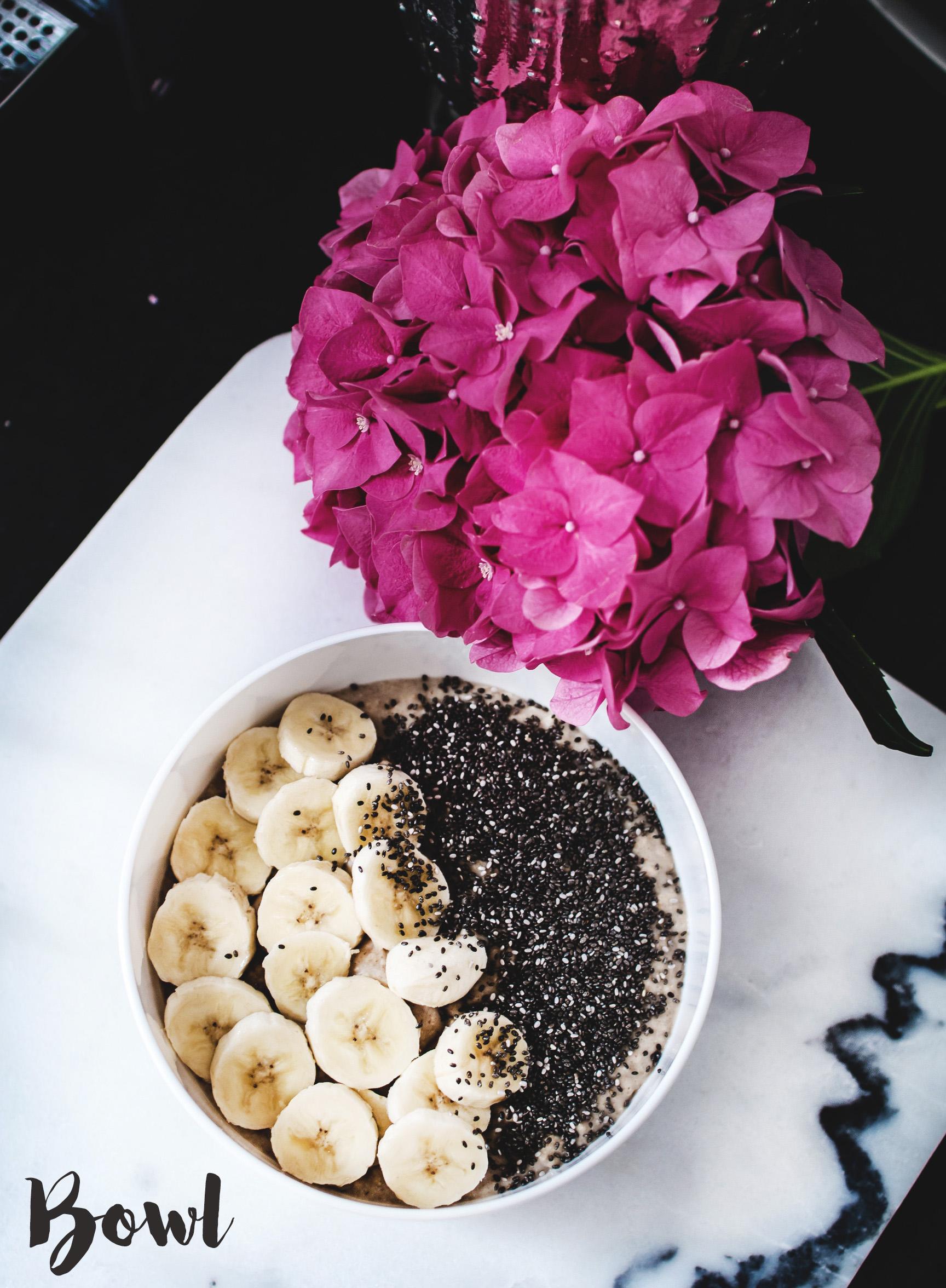 breakfast_bowl_acai_chia_fitness_gesund_abnehmen