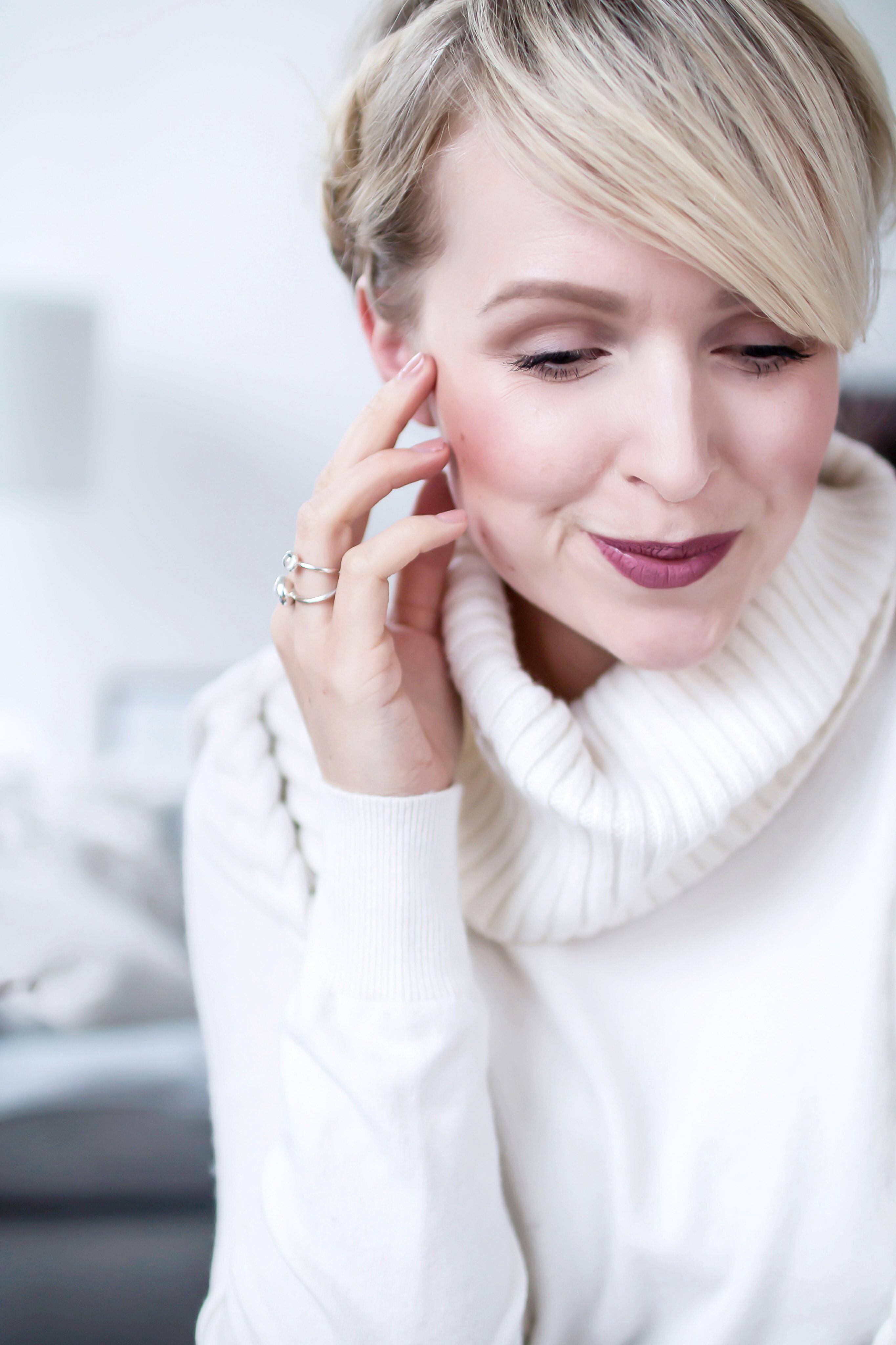 Sally_hansen_strong_woman_strong_nails_beauty_nagellack_trend_blogger