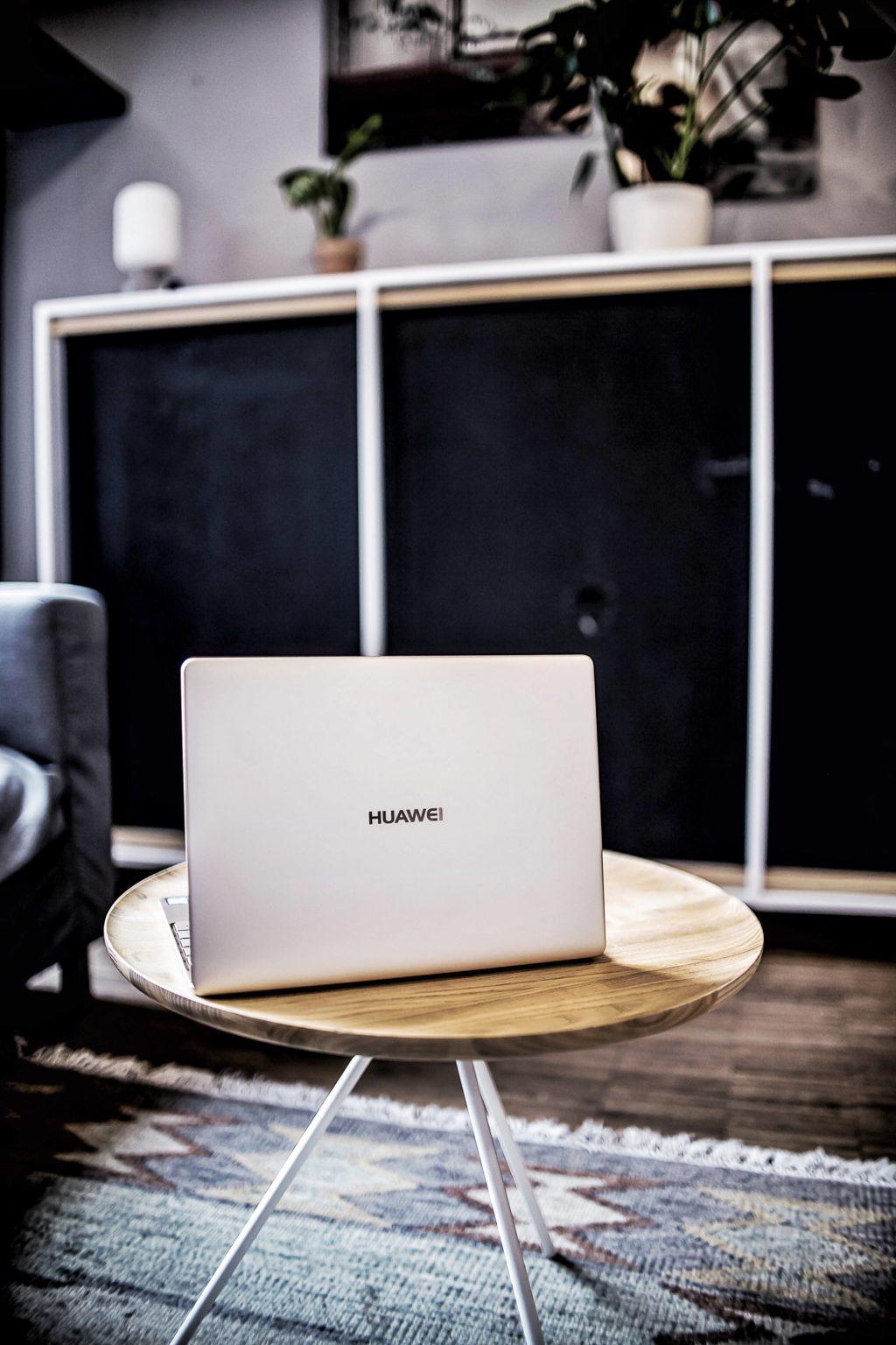 Das Huawei MateBook X zu Gast in der Blogfabrik. Picture by Zukkermaedchen