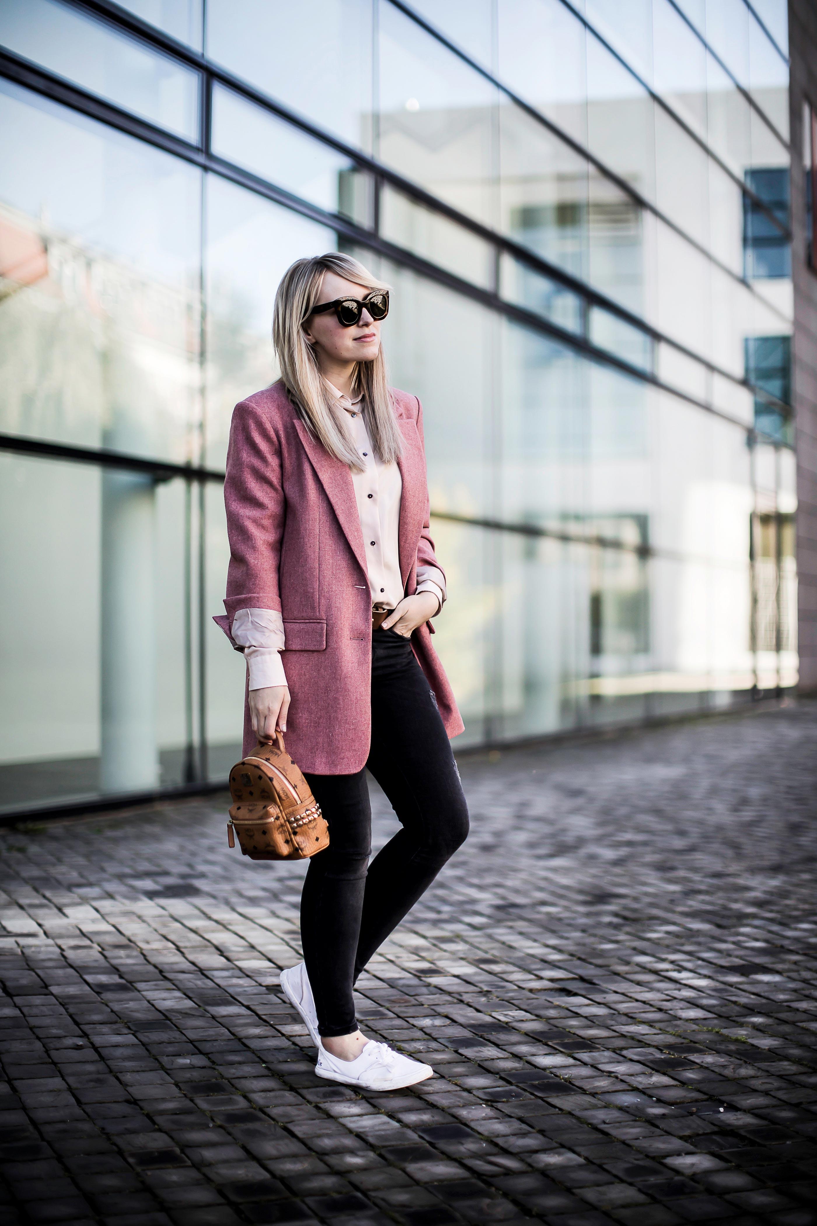 blazer zara rose mcm rucksack stil auf Instagram