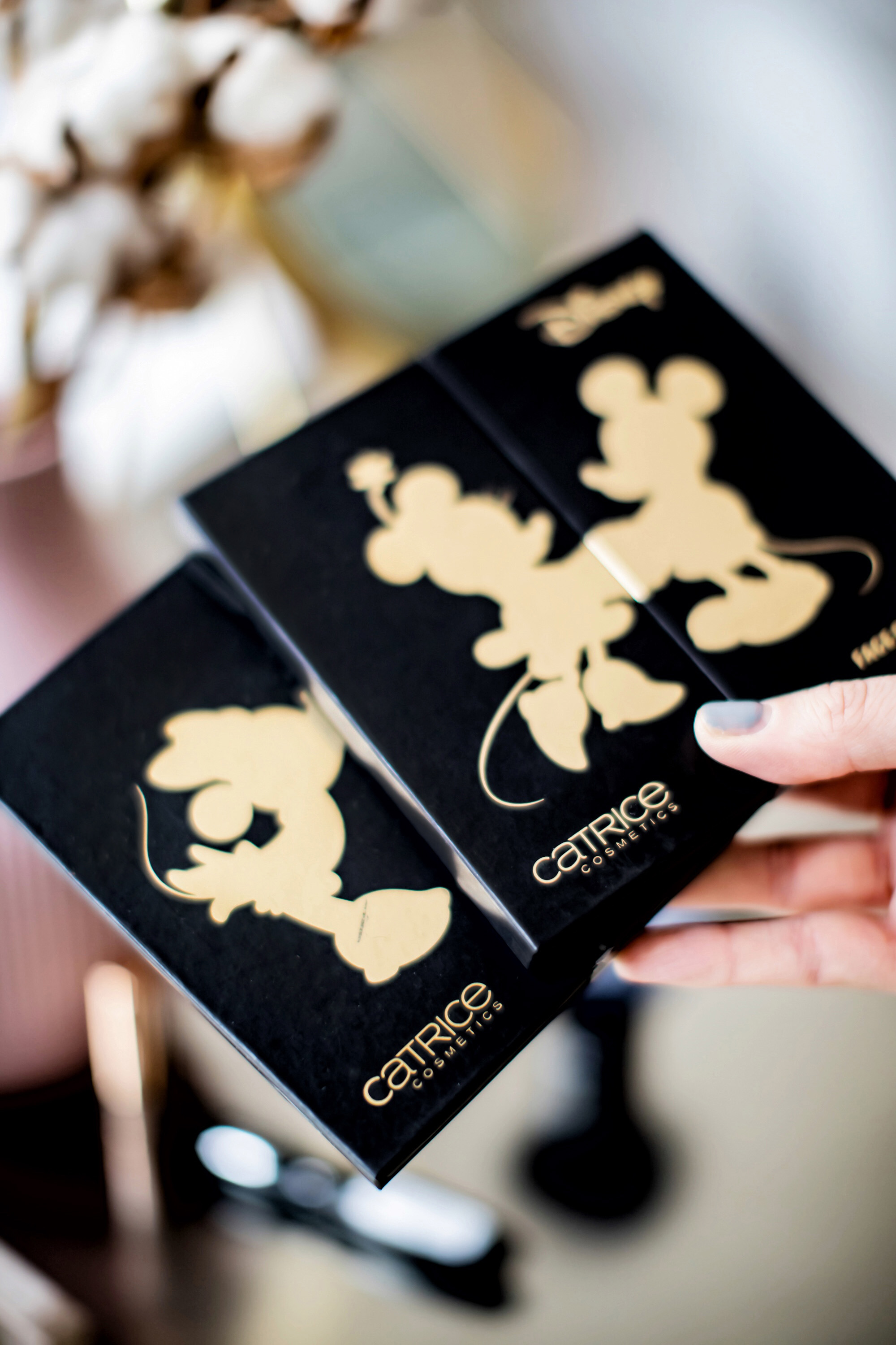 All eyes on : Die Catrice Mickey's 90th Anniversary Limited Edition
