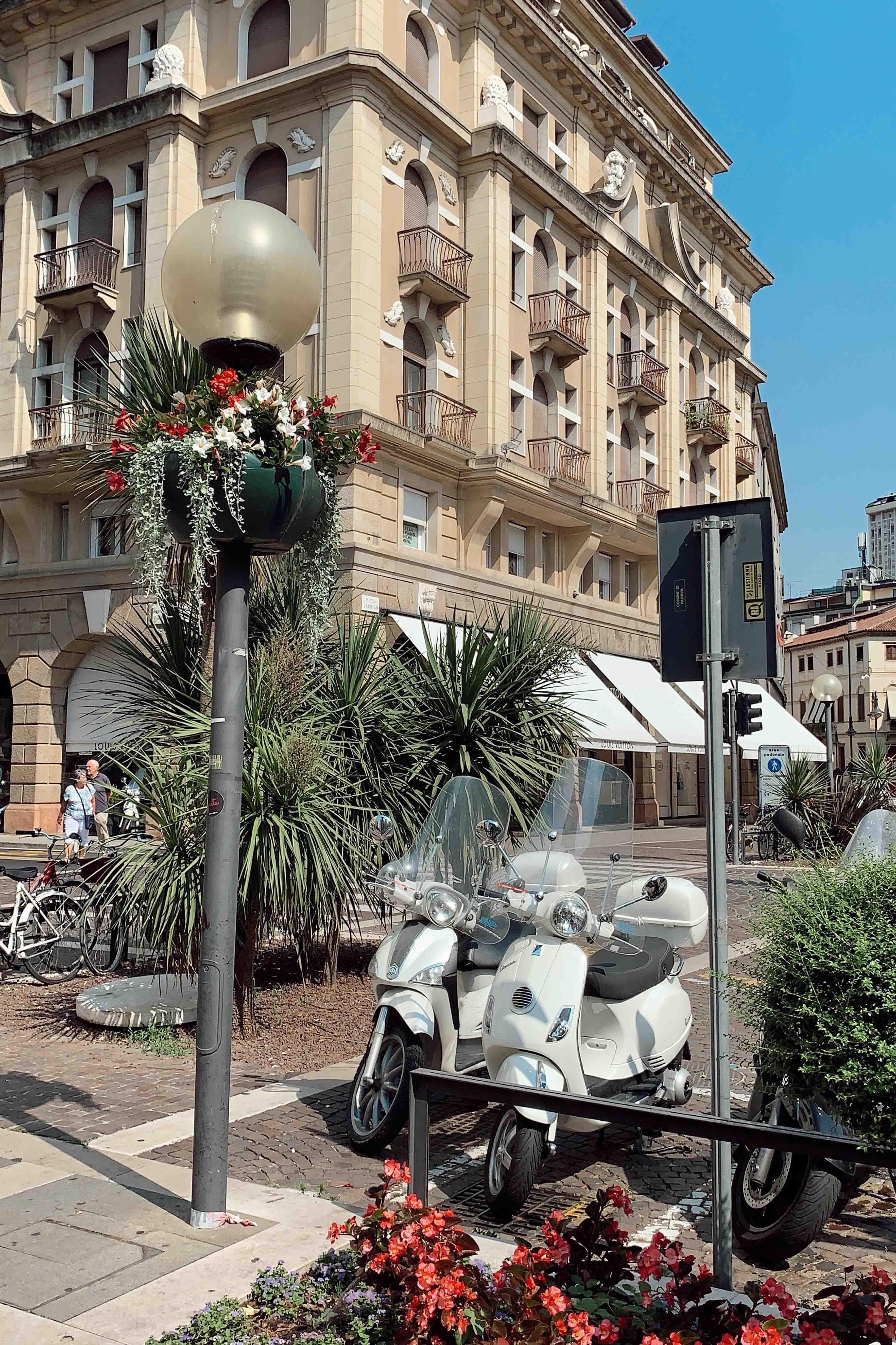 100 Jahre aperol feiern in venedig das it getränk aperol spritz