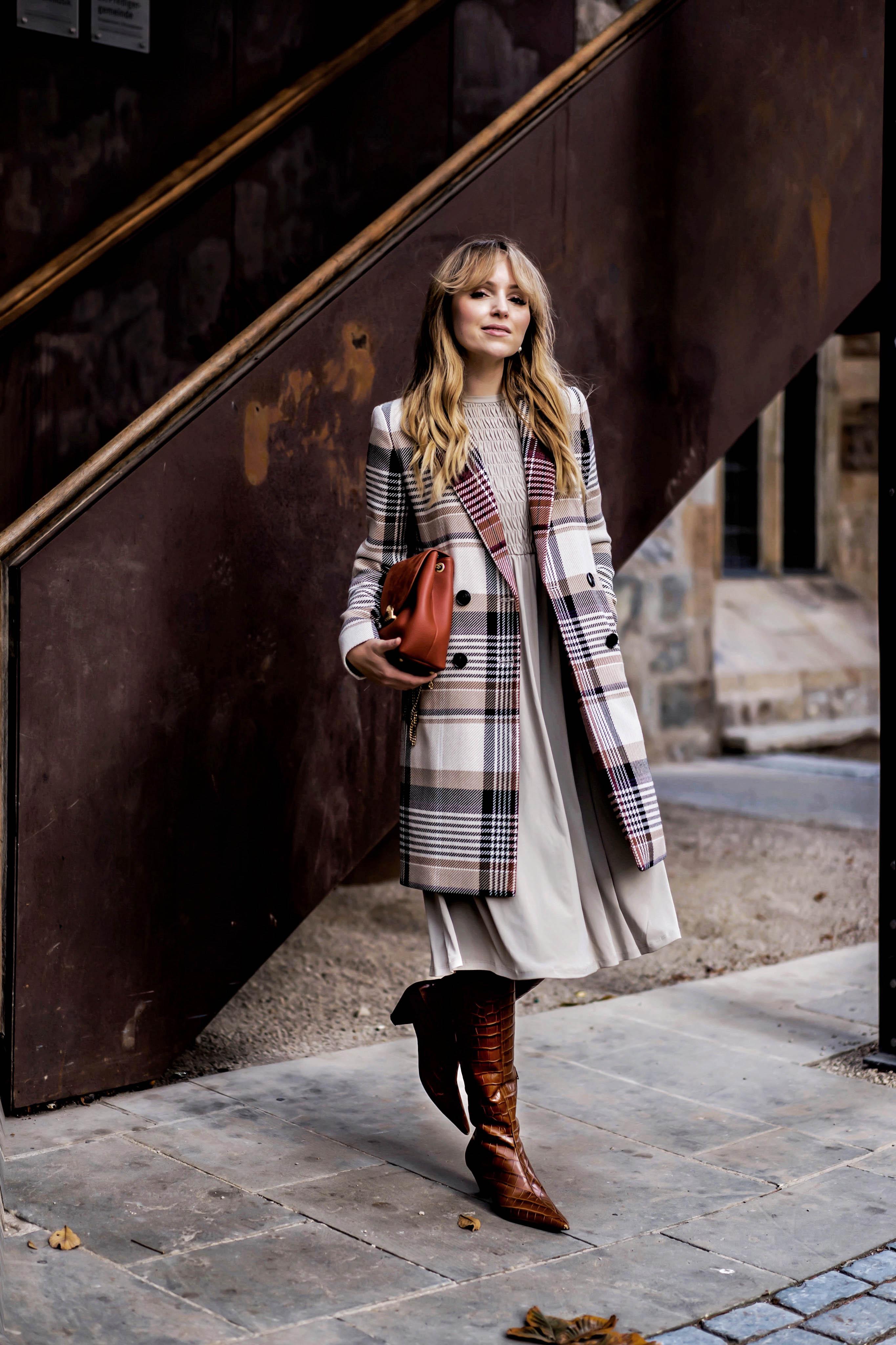 Herbst Farben Beige creme und Braun in einem Outfit