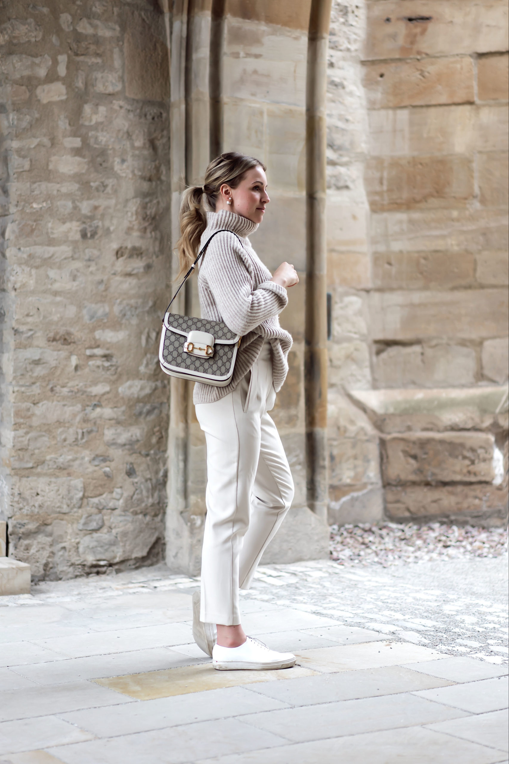 all over beige Look ist immer noch Trend
