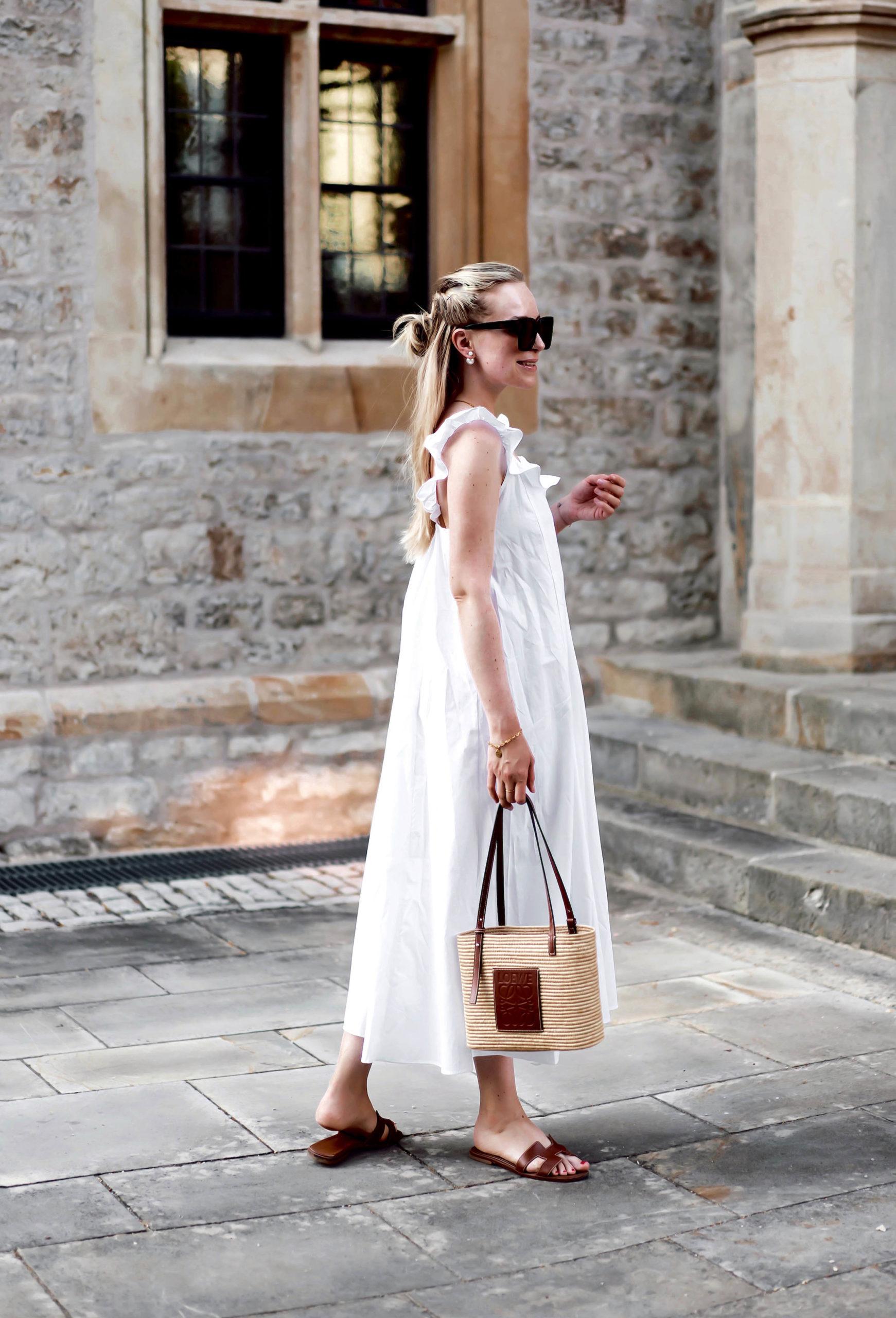 das weisse Sommerkleid ist wieder Trend