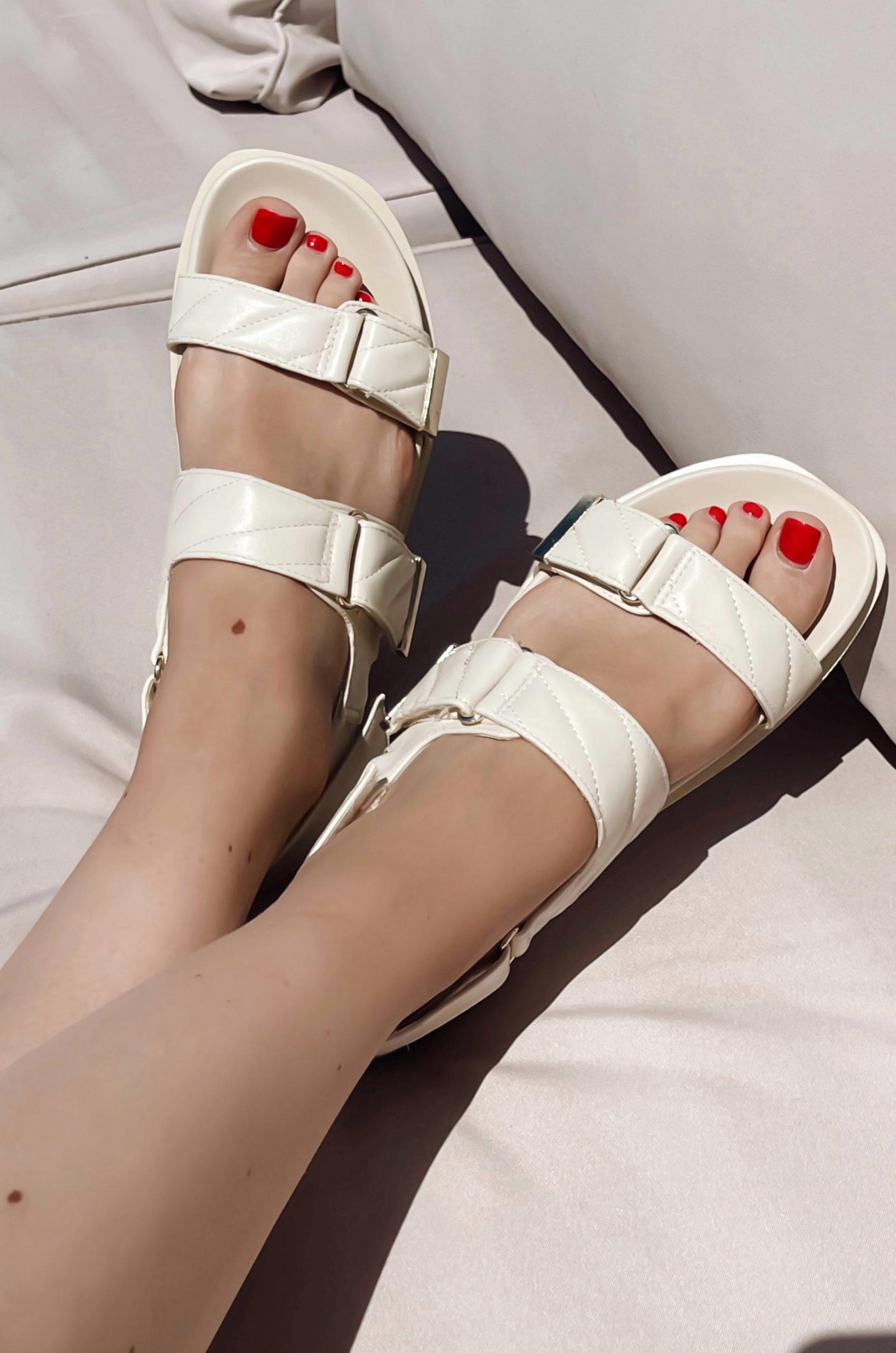 Die Sandale ist wieder Trend